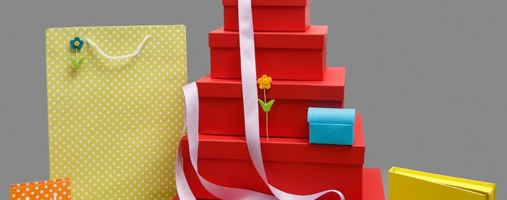 Κουτιά χάρτινα-τσάντες χάρτινες